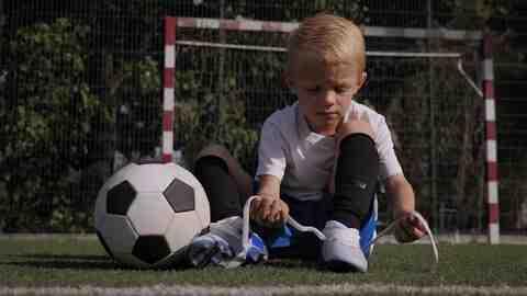 Comment jouer au foot sans se fatiguer ?